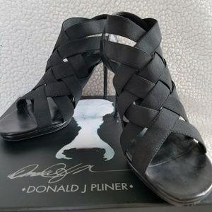 Donald J. Pliner black nappa/basic elastic